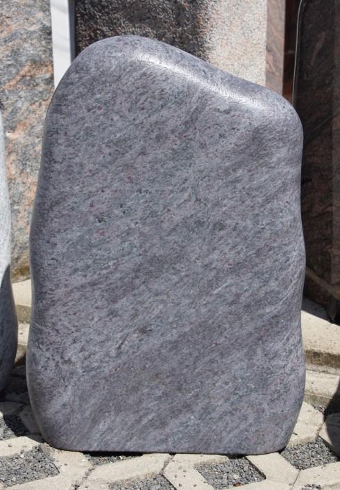 Urnenfels_Felsen_Grabstein_grau_blau_granit_geledert_satiniert