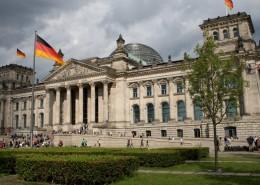 reichstag_berlin_deutschland_kran_bachmann_wille_restaurator-845x684